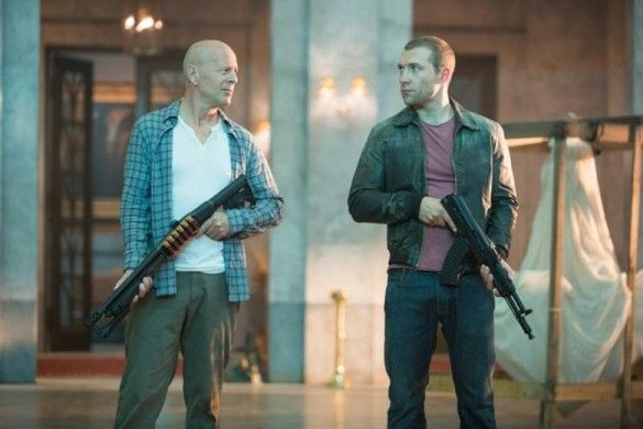 Bruce Willis-and-Jai Courtney-en-la-buena-día-a-Die-Hard-585x390